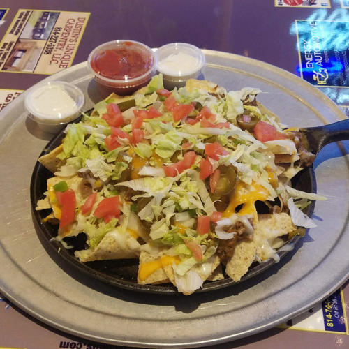 vinces-tavern-nachos